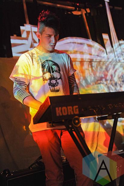 Keyboardist of Blonde Elvis in Toronto. (Photo: Stephen McGill/Aesthetic Magazine)