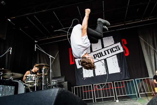 New Politics. (Photo: Dale Benvenuto/Aesthetic Magazine Toronto)