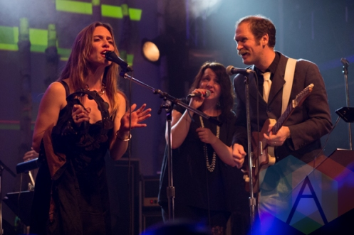 Feist (left), Charles Spearin (right) and Amy Millan (rear). (Photo: Bruce Emberley/Aesthetic Magazine Toronto)