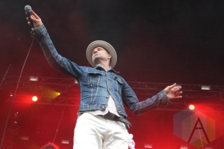 Gord Downie, The Sadies, And The Conquering Sun. (Photo: Curtis Sindrey/Aesthetic Magazine Toronto)