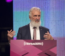 Children's Album of the Year winner Fred Penner at the 2015 JUNO Gala Dinner and Awards at the Hamilton Convention Centre. (Photo: CARAS)