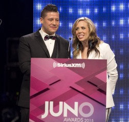 Sky Bridges and Amanda Rheaume presenting Aboriginal Album of the Year at the 2015 JUNO Gala Dinner and Awards at the Hamilton Convention Centre. (Photo: CARAS)