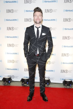 USS arrives on the red carpet at the 2015 JUNO Gala Dinner and Awards at the Hamilton Convention Centre. (Photo: CARAS)