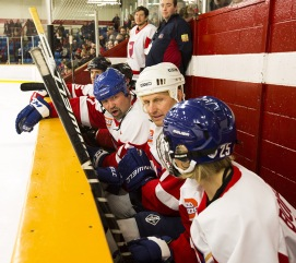 NHL great bench during the 2015 Juno Cup. (Photo: CARAS)