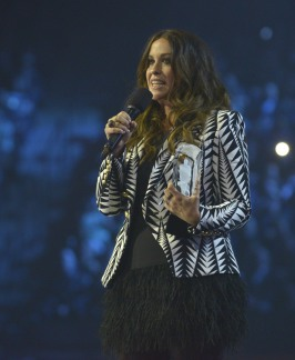 Canadian Music Hall of Fame inductee Alanis Morissette during the 2015 JUNO Awards at FirstOntario Centre in Hamilton on March 15, 2015. (Photo: CARAS)