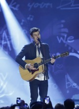 """Shawn Mendes performs """"Life of the Party"""" during the 2015 JUNO Awards at FirstOntario Centre in Hamilton on March 15, 2015. (Photo: CARAS)"""