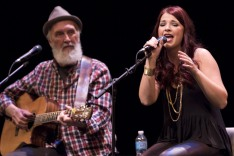 Jess Moskaluke performing as Fred Penner looks on at the 2015 JUNO Songwriters' Circle. (Photo: CARAS)