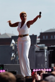 Mary J. Blige performs onstage at the Global Citizen 2015 Earth Day at The National Mall on April 18, 2015 in Washington, DC. (Photo: Paul Morigi/Getty Images)