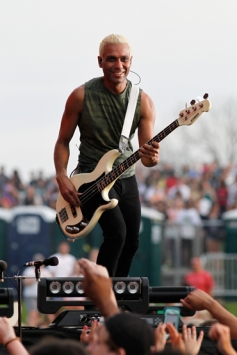 Tony Kanal of No Doubt performs onstage at the Global Citizen 2015 Earth Day at The National Mall on April 18, 2015 in Washington, DC. (Photo: Paul Morigi/Getty Images)