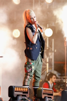 Gwen Stefani of No Doubt performs onstage at the Global Citizen 2015 Earth Day at The National Mall on April 18, 2015 in Washington, DC. (Photo: Paul Morigi/Getty Images)