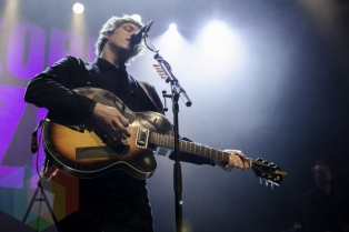 George Ezra performing at The Danforth Music Hall in Toronto, ON on April 20th, 2015. (Photo: Dawn Hamilton/Aesthetic Magazine Toronto)