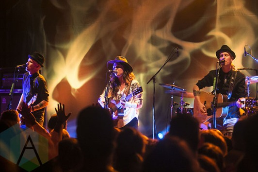 Brandi Carlile performing at the Royal Oak Music Theatre in Detroit, MI on May 29, 2015. (Photo: Amanda Cain/Aesthetic Magazine)