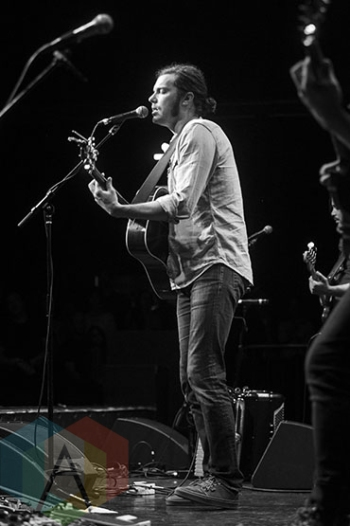 Josh Garrels performing at The Observatory in Santa Ana, CA on May 10, 2015. (Photo: Amanda Cain/Aesthetic Magazine Toronto)