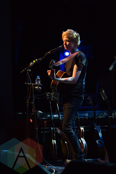 Mo Kenney performing at The Danforth Music Hall in Toronto on May 22, 2015. (Photo: Lauren Garbutt/Aesthetic Magazine Toronto)