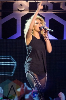 Tori Kelly performing at the 2015 MMVAs in Toronto, ON on June 21, 2015. (Photo: Adam Pulicicchio/Aesthetic Magazine)
