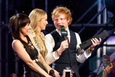 Lights (left) and Ed Sheeran at the 2015 MMVAs in Toronto, ON on June 21, 2015. (Photo: Adam Pulicicchio/Aesthetic Magazine)