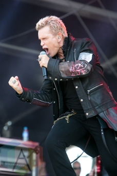 Billy Idol performing at Hellfest 2015 in Clisson, Fr. (Photo: Raymond Ahner/Aesthetic Magazine)