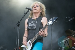 L7 performing at Hellfest 2015 in Clisson, Fr. (Photo: Raymond Ahner/Aesthetic Magazine)