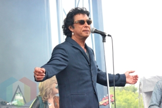 Kevin Drew & Andy Kim performing at Field Trip 2015 in Toronto, ON on June 7, 2015. (Photo: Curtis Sindrey/Aesthetic Magazine)