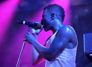 Jason Derulo performing at Pandora Summer Crush 2015 at L.A. LIVE in Los Angeles on Aug. 15, 2015. (Photo: Chelsea Lauren/Getty)