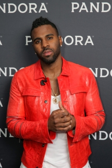 Jason Derulo attends Pandora Summer Crush 2015 at L.A. LIVE in Los Angeles on Aug. 15, 2015. (Photo: Chelsea Lauren/Getty)