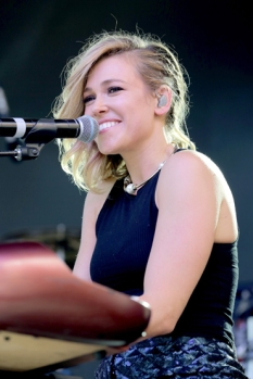 Rachel Platten performing at Pandora Summer Crush 2015 at L.A. LIVE in Los Angeles on Aug. 15, 2015. (Photo: Chelsea Lauren/Getty)