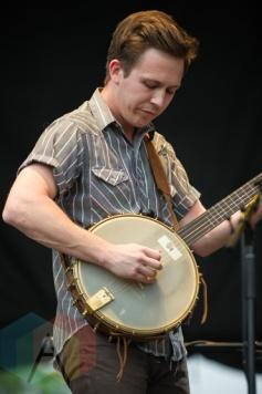 Gregory Alan Isakov performing at the Greenbelt Harvest Picnic in Hamilton, ON on Aug. 29, 2015. (Photo: Orest Dorosh/Aesthetic Magazine)