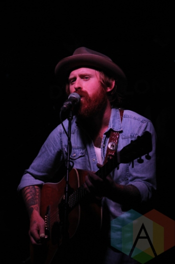 Spencer Burton performing at the Wolfe Island Music Festival on Aug. 7, 2015. (Photo: Curtis Sindrey/Aesthetic Magazine)
