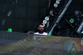 Mark Oliver performing at VELD Music Festival 2015. (Photo: Theo Rallis/Aesthetic Magazine)