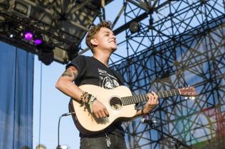 Scott Helman performing at Edgefest 2015 at Echo Beach in Toronto, ON on Aug. 15, 2015. (Photo: Alyssa Balistreri/Aesthetic Magazine)