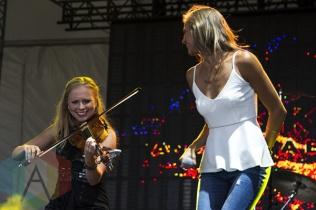 Kaitlin Kozell performing at Boots and Hearts 2015 on Aug. 7, 2015. (Photo: Alyssa Balistreri/Aesthetic Magazine)