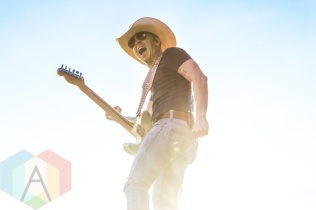 Justin Moore performing at Boots and Hearts 2015 on Aug. 7, 2015. (Photo: Alyssa Balistreri/Aesthetic Magazine)