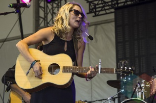 Melissa Payne performing at Boots and Hearts 2015 on Aug. 9, 2015. (Photo: Alyssa Balistreri/Aesthetic Magazine)