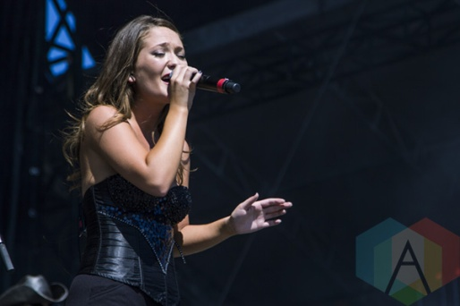 Kira Isabella performing at Boots and Hearts 2015 on Aug. 9, 2015. (Photo: Alyssa Balistreri/Aesthetic Magazine)