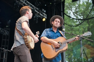 Gregory Alan Isakov performing at the Greenbelt Harvest Picnic in Hamilton, ON on Aug. 29, 2015. (Photo: Orest Dorosh/Aesthetic Magazine)