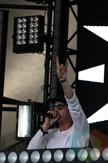 SNBRN performing at VELD Music Festival 2015. (Photo: Theo Rallis/Aesthetic Magazine)