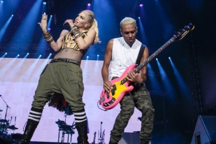 Gwen Stefani and Tony Kanal of No Doubt performing at the 2015 Kaaboo Del Mar Festival at the Del Mar Fairgrounds on Sept. 18, 2015 in Del Mar, CA. (Photo: Christopher Victorio/WireImage)