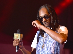 Snoop Dogg performing at the 2015 Kaaboo Del Mar Festival at the Del Mar Fairgrounds on Sept. 18, 2015 in Del Mar, CA. (Photo: C. Flanigan/WireImage)