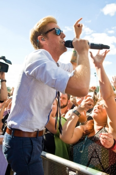 Andrew McMahon In The Wilderness performing at Riot Fest Chicago in Chicago, IL on Sept. 13, 2015. (Photo: Katie Hovland)