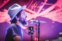 Scott Avett of The Avett Brothers performing at CityFolk 2015 at Lansdowne Park in Ottawa, ON on Sept. 17, 2015. (Photo: Mark Horton)