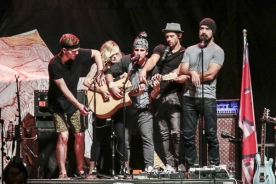 Walk Off The Earth performing at CityFolk 2015 at Lansdowne Park in Ottawa, ON on Sept. 17, 2015. (Photo: Mark Horton)