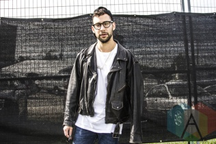 Jack Antonoff of Bleachers at Riot Fest Toronto 2015 at Downsview Park in Toronto, ON. (Photo: Alyssa Balistreri/Aesthetic Magazine)