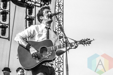 Frank Turner performing at Riot Fest Toronto 2015 at Downsview Park in Toronto, ON on Sept. 20, 2015. (Photo: Alyssa Balistreri/Aesthetic Magazine)