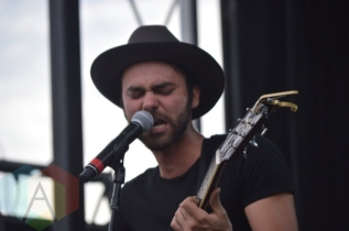 Shakey Graves performing at TURF 2015 in Toronto, ON, on Sept. 18, 2015. (Photo: Justin Roth/Aesthetic Magazine)