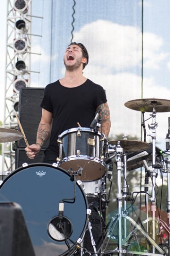 New Politics performing at Riot Fest Chicago in Chicago, IL on Sept. 13, 2015. (Photo: Katie Kuropas/Aesthetic Magazine)