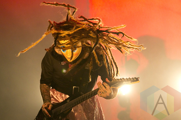 Korn performing at The Fox Theater Oakland on October 30, 2015. (Photo: Raymond Ahner/Aesthetic Magazine)