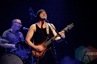 Hawksley Workman performing at The Phoenix Concert Theatre in Toronto on November 14, 2015. (Photo: Dan Fischer/Aesthetic Magazine)