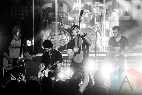 Granger Smith performing at Saint Andrews Hall in Detroit on November 13, 2015. (Photo: Amanda Cain/Aesthetic Magazine)