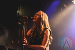 Jessica Chase performing at The Mod Club in Toronto on November 7, 2015. (Photo: Theresa Shim/Aesthetic Magazine)