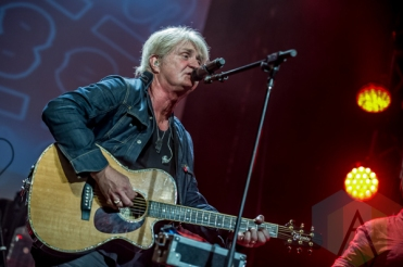 Tom Cochrane performing at the Andy Kim Christmas Show at The Phoenix Concert Theatre in Toronto on December 9, 2015. (Photo: Orest Dorosh/Aesthetic Magazine)